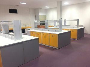gambar meja laboratorium