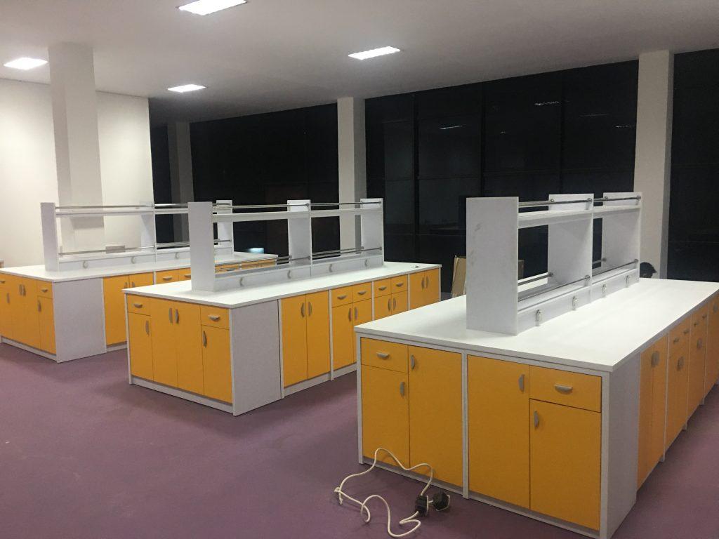 grosir meja laboratorium