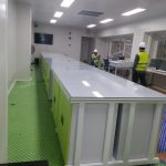 meja laboratorium mikrobiologi