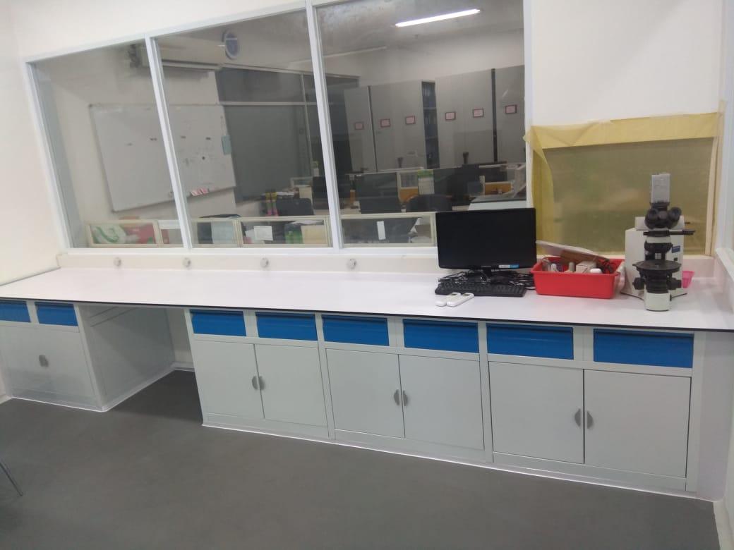 Meja Laboratorium Kimia